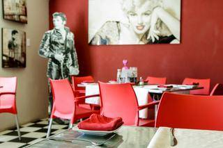 marilyns 60s diner interior wall art